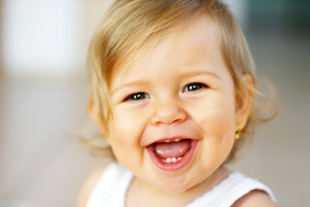 babys-first-teeth-proper-care-00