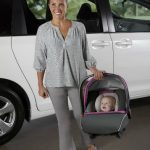 graco-snugride-click-connect-35-infant-car-seat-mom-carring-baby-w500-h500