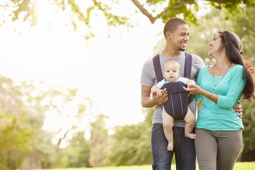 top-10-items-to-take-when-traveling-with-a-baby-baby-carrier