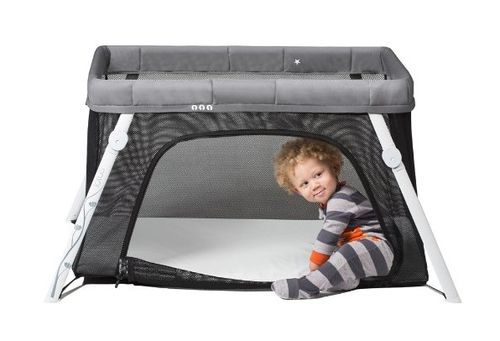 top-10-items-to-take-when-traveling-with-a-baby-travel-crib